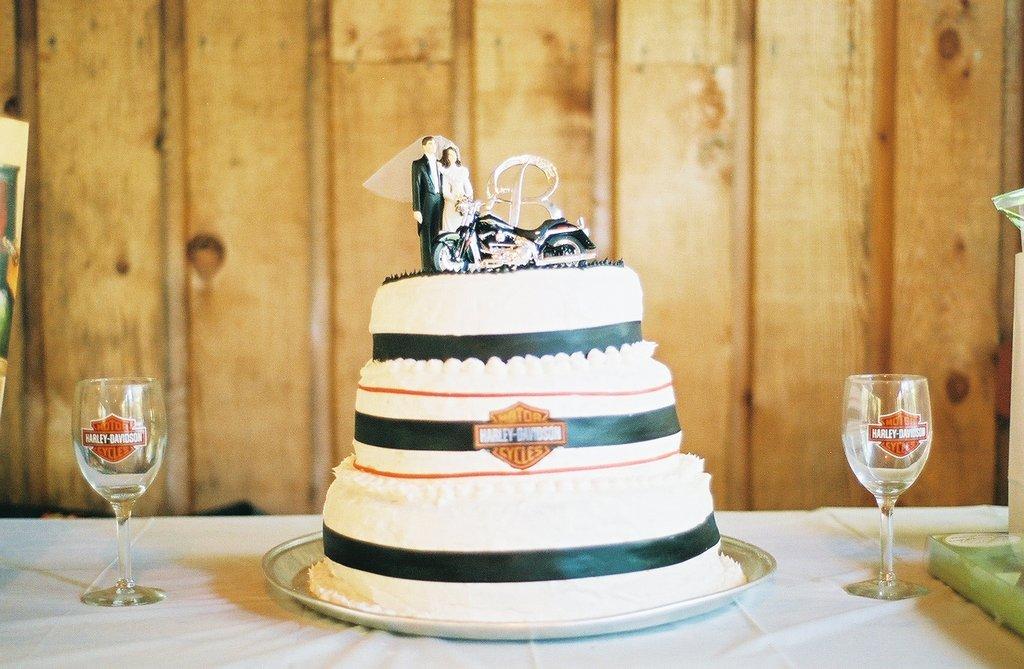 Harley Davidson Wedding: Harley Davidson Wedding Cakes