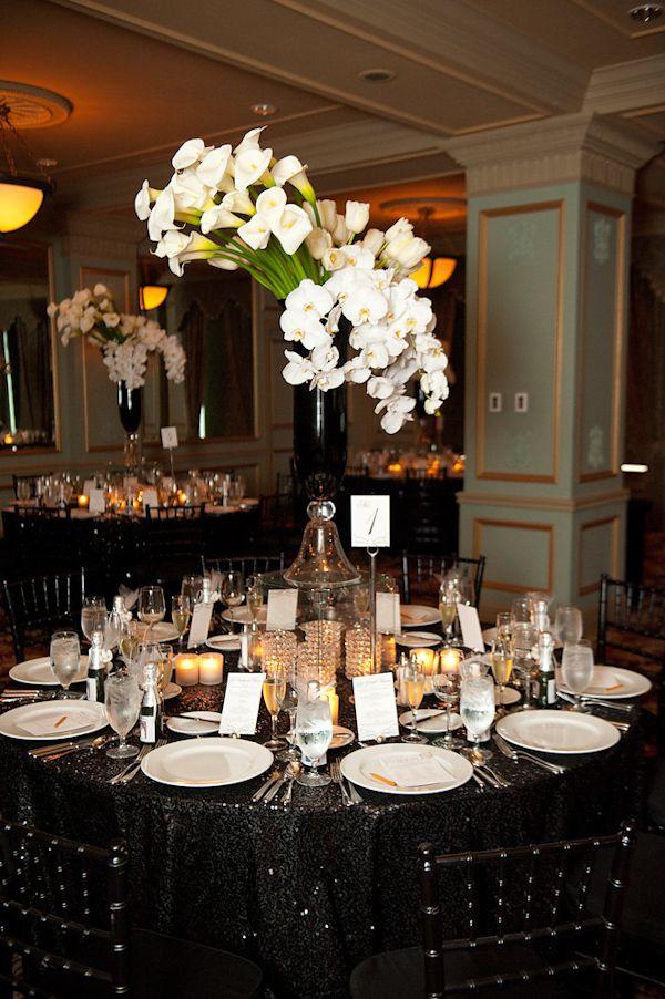 Black tablecloth wedding for Black table centrepieces