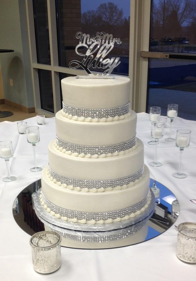 wedding cake rhinestone blingy wedding cakes 23676