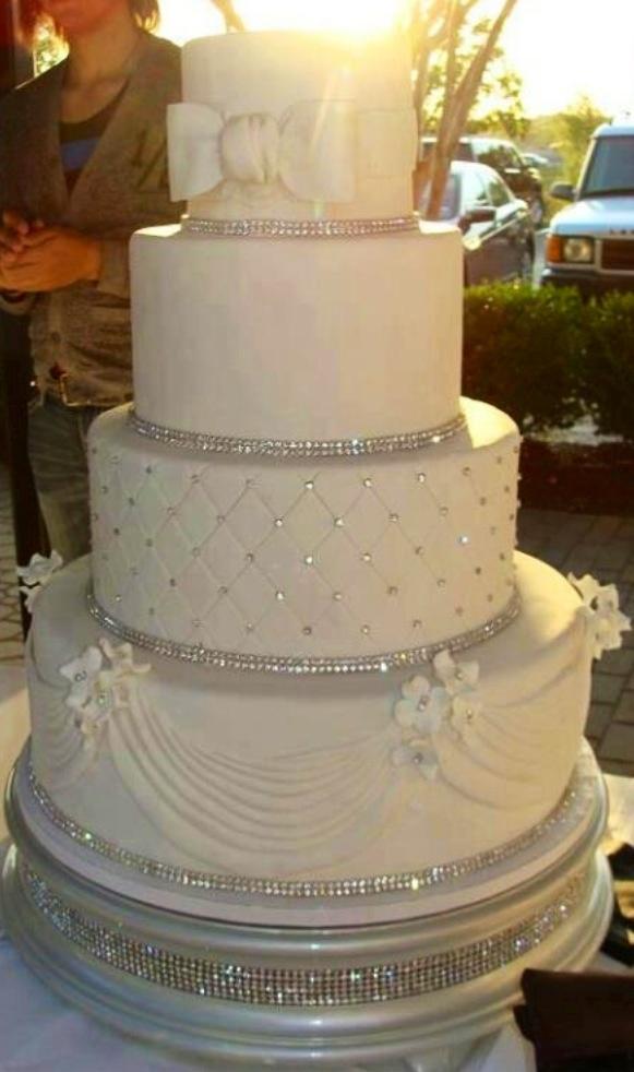 Sparkle wedding cakes