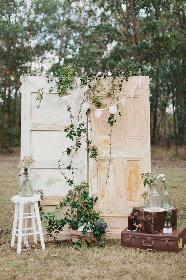 1000 Ideas About Wedding Photo Backdrops On Emasscraft Org Vintage Photobooth