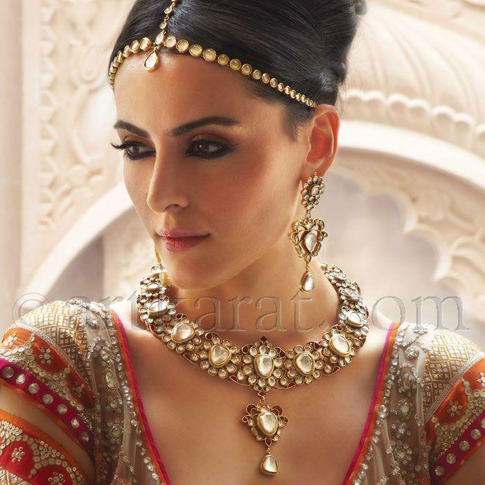 Indian Wedding Headdress: Indian Wedding Headpiece