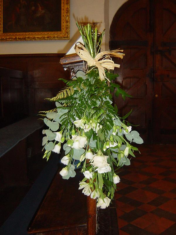 wedding flowers church pew ends. Black Bedroom Furniture Sets. Home Design Ideas