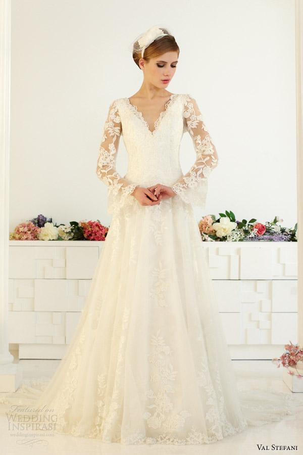 Bell sleeve wedding dress for Wedding dress bell sleeves