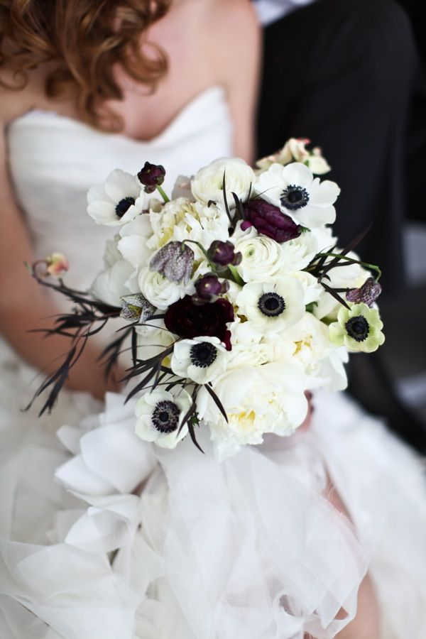 Black And White Flowers For Wedding On With