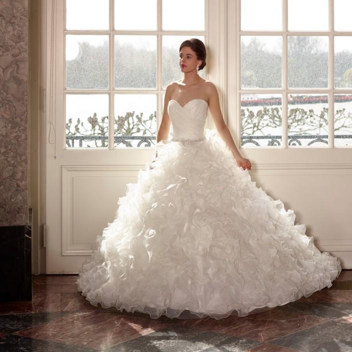 Unique Bridal Gowns Ireland Crest - Dress Ideas For Prom ...