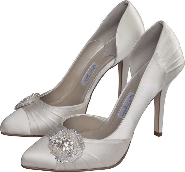 Comfortable wedding shoes for bride for Comfortable wedding dress shoes