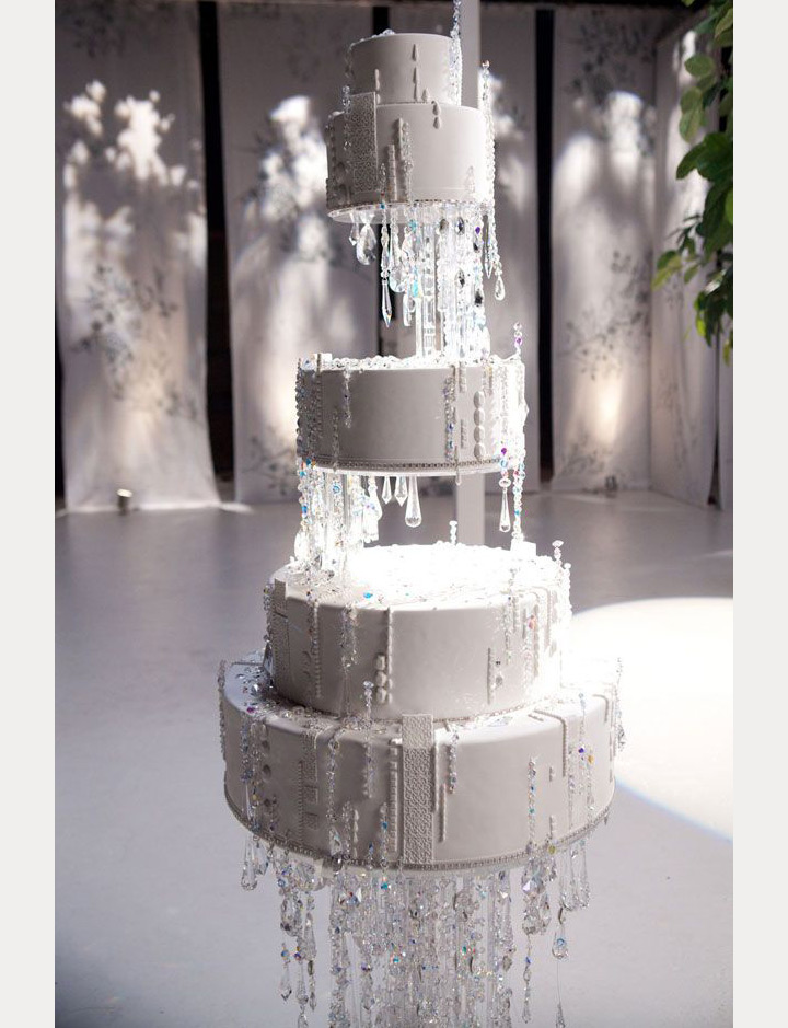 Hanging Floating And Upside Down Wedding Cakes We Love