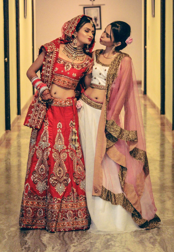 Indian wedding outfit for bride for Bride groom dresses for indian wedding