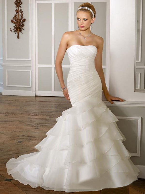 Tiered organza wedding dress for Wedding dress for flat chest