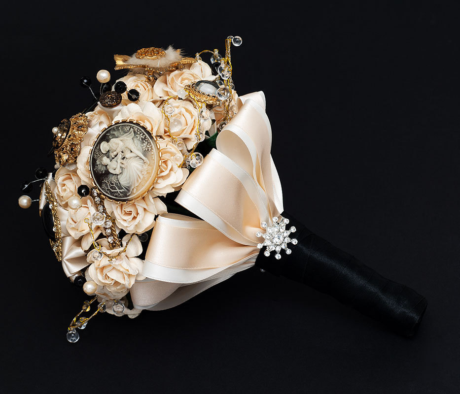 Flowers For Black And Gold Wedding