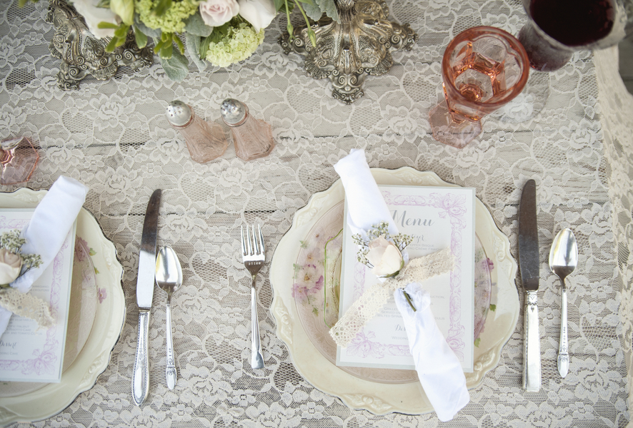 Shabby Chic Wedding Table Settings