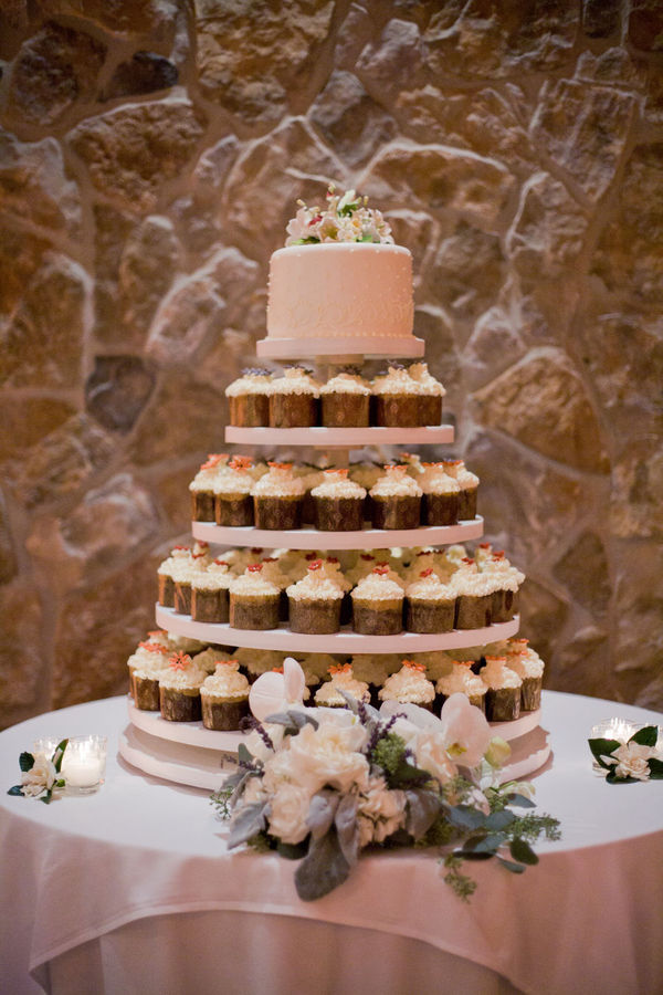 fabulous wedding cake stands rustic cupcakes wedding 14088