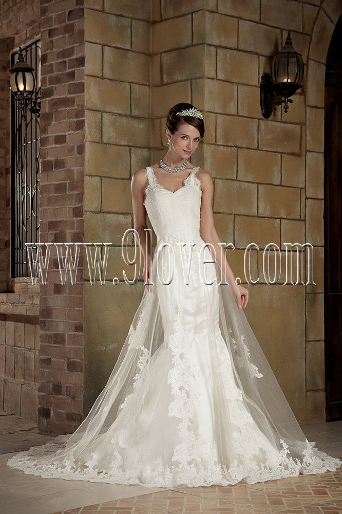 Images of sophisticated wedding dresses