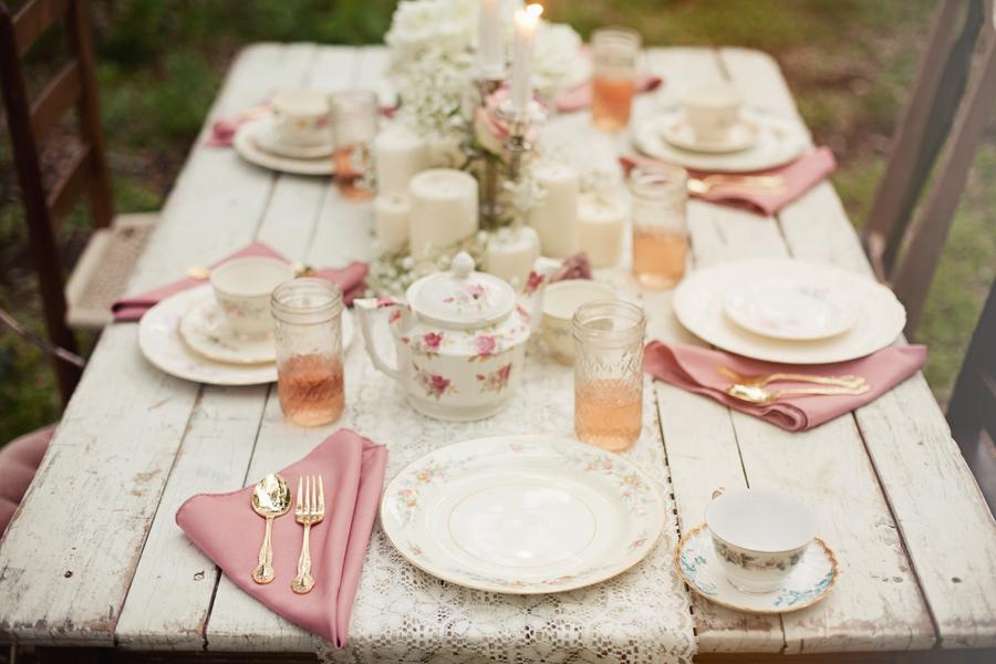 Vintage Table Decor Loris Decoration