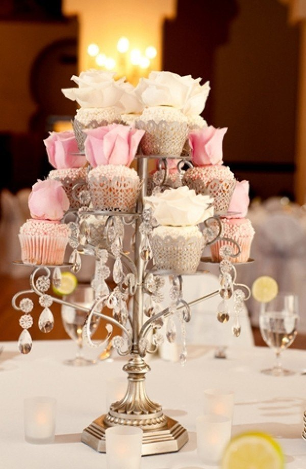 Wedding cake centerpieces