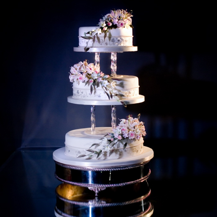 creative ideas for wedding cake stands images of wedding cake stands 13078