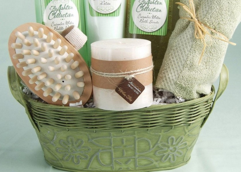 Homemade Wedding Gift Ideas For Bride And Groom: Wedding Gift Baskets For Bride