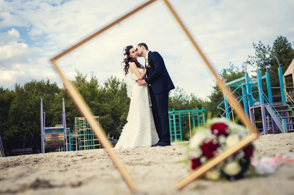 Pre Wedding Gifts: Wedding Frame Ideas