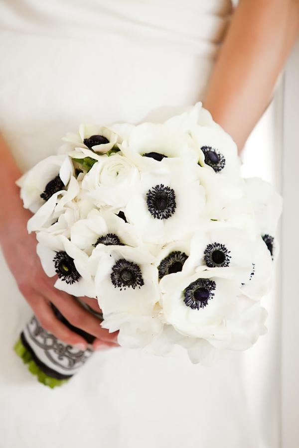 Black and white wedding flowers 1000 images about black white wedding theme on emasscraft org mightylinksfo
