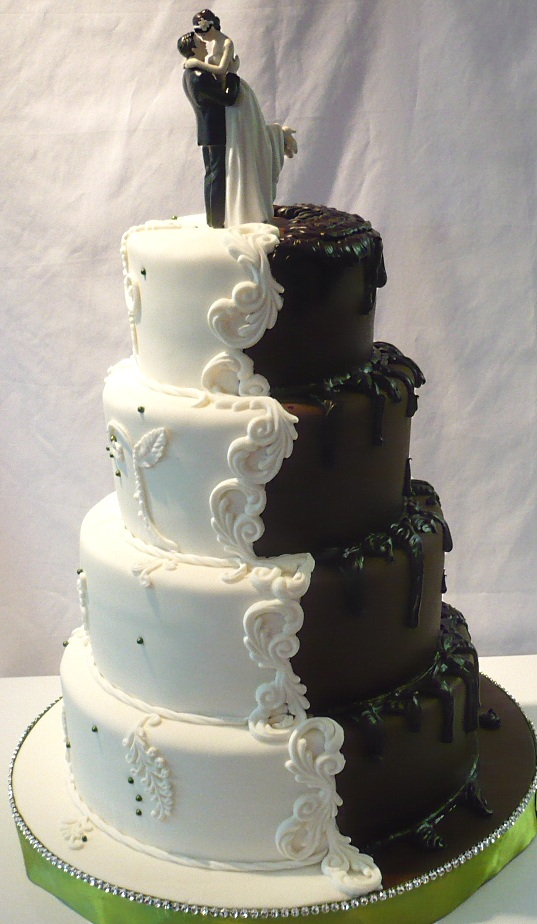 half wedding cake half grooms cake wedding cake groom 15054