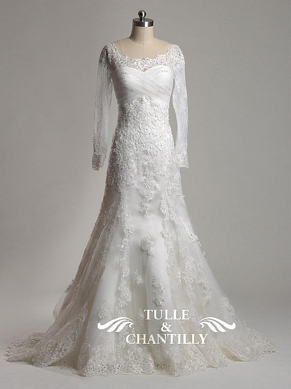 Long sleeve lace vintage wedding dresses