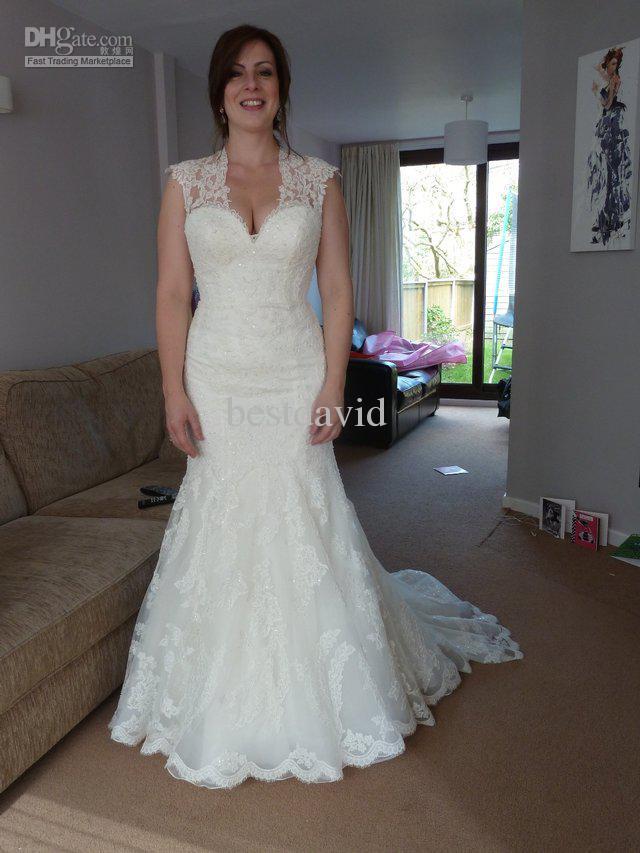 Lace Wedding Dress Keyhole Back