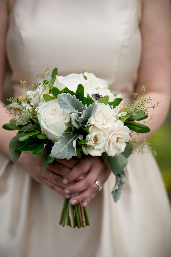 Small Simple Wedding Bouquets : Small simple wedding bouquets
