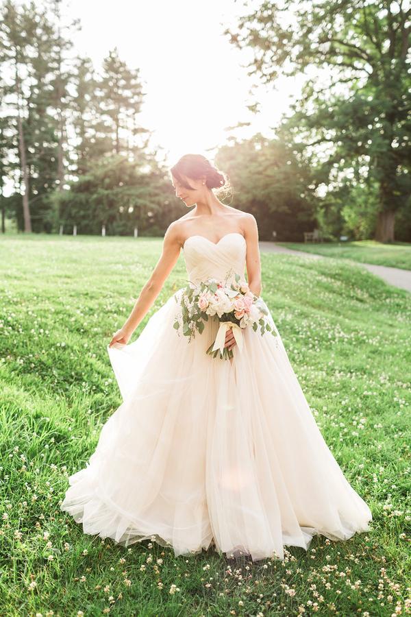 Merveilleux Intimate Summer Backyard Wedding In Pennsylvania