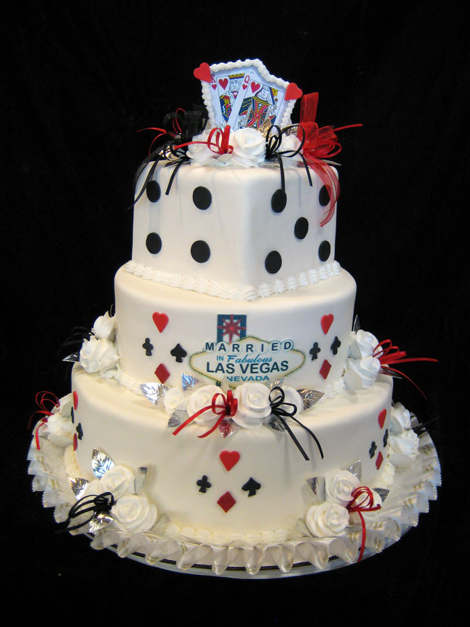 wedding cakes las vegas casino themed wedding 8899