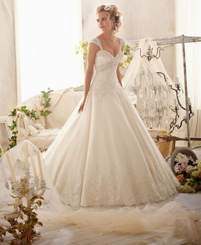 Petite Gowns For Weddings: Petite Wedding Dress
