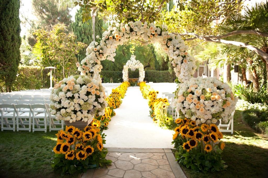 Outdoor wedding altar ideas outdoor wedding altar decoration ideas outdoor wedding junglespirit Choice Image