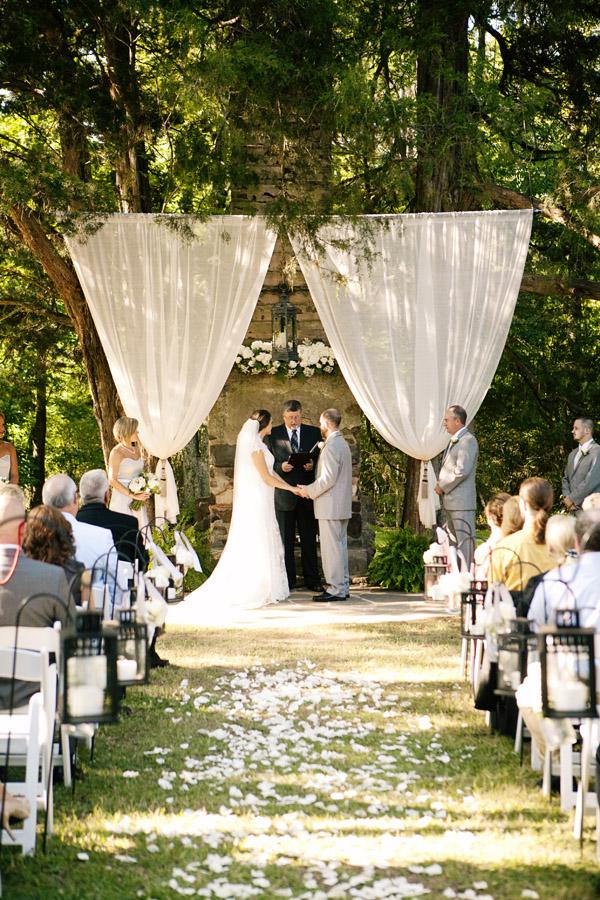 Outdoor wedding altar ideas junglespirit Choice Image