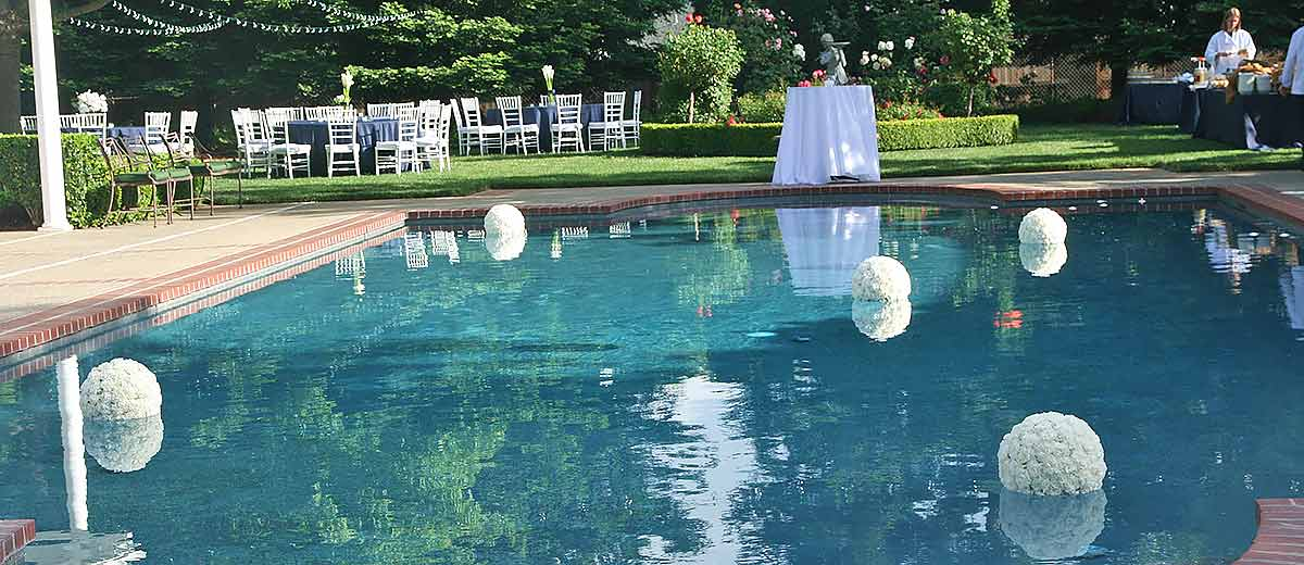 How To Decorate A Pool For A Wedding