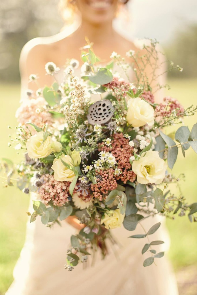 rustic_wedding_bouquets__photos_and_advices_9.jpg