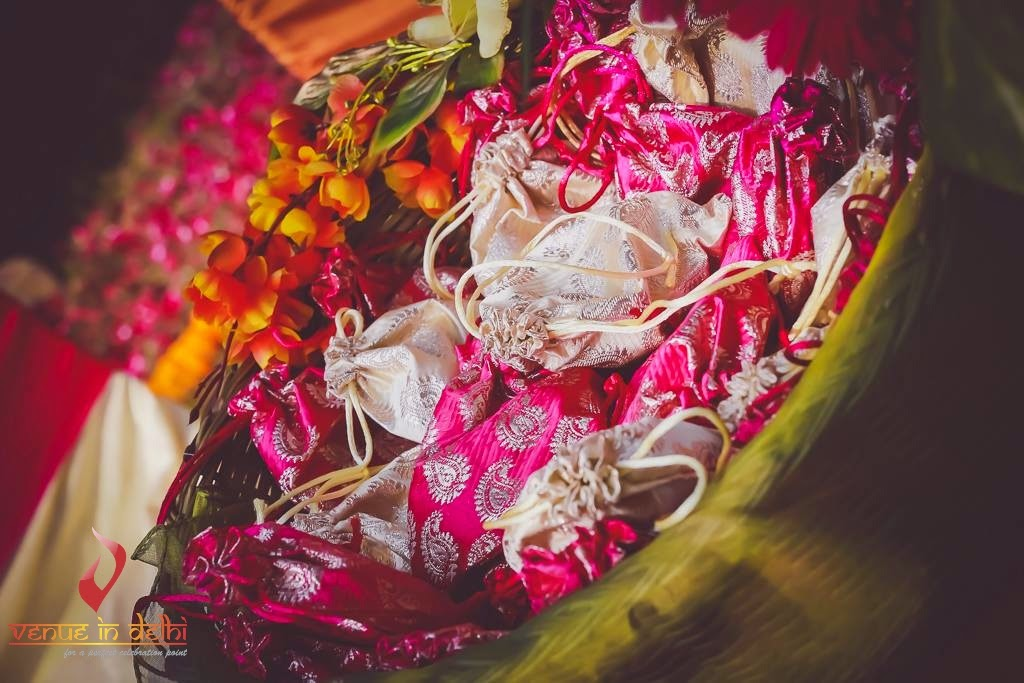 Indian Wedding Gift Decoration : Venue In Delhi Trousseau Revived