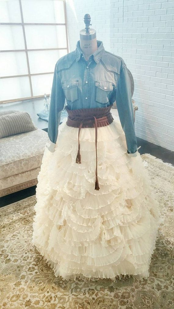 1000 ideas about country wedding dresses on emasscraft org 4 - Cowboy Wedding Decoration Ideas