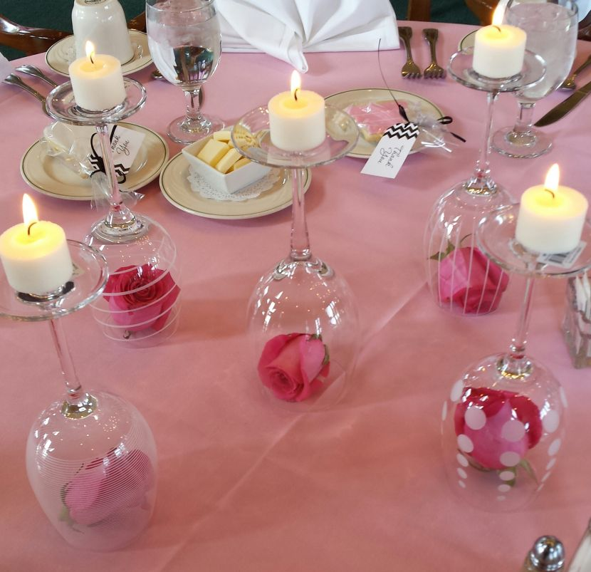 Wine glass centerpieces for weddings