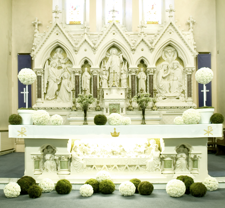 Modern church altar decoration images for Altar decoration wedding