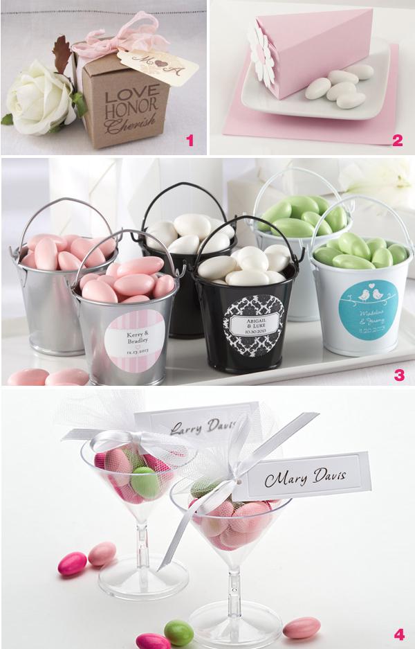 Small Wedding Gift Gallery Decoration Ideas