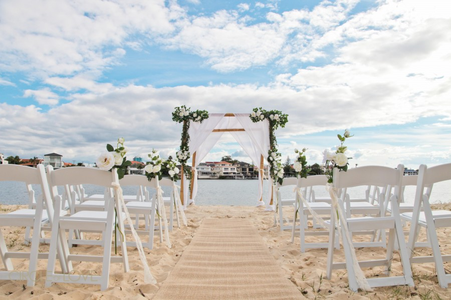 Beach Wedding Ceremony: Small Beach Wedding