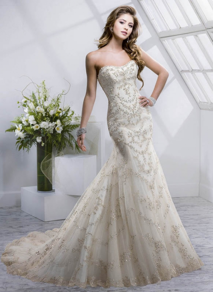 Champagne ivory wedding dress for Ivory champagne wedding dress