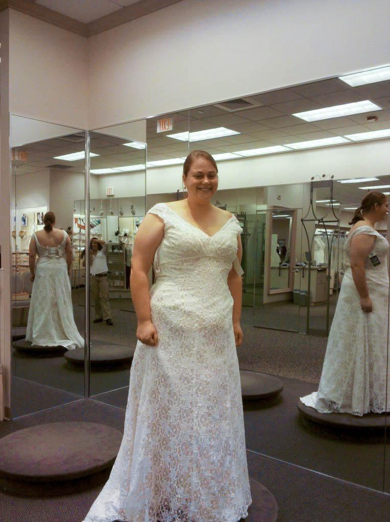 Plus size trumpet wedding dress for Best wedding dress for big hips