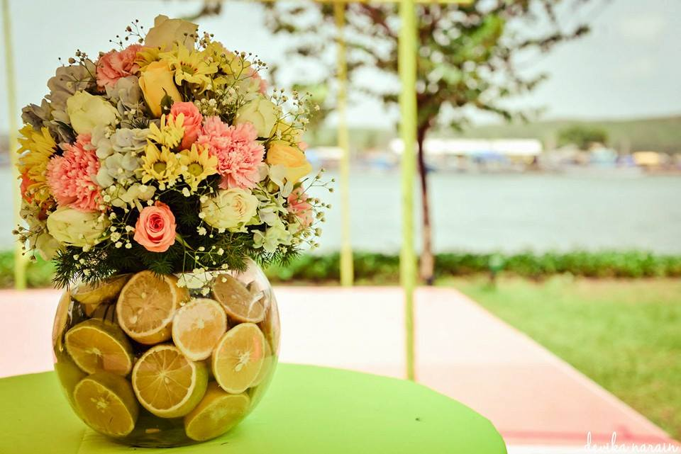 Summer wedding decoration themes images wedding dress decoration wedding decoration ideas for summer gallery wedding dress summer wedding themes image collections wedding decoration ideas junglespirit Gallery