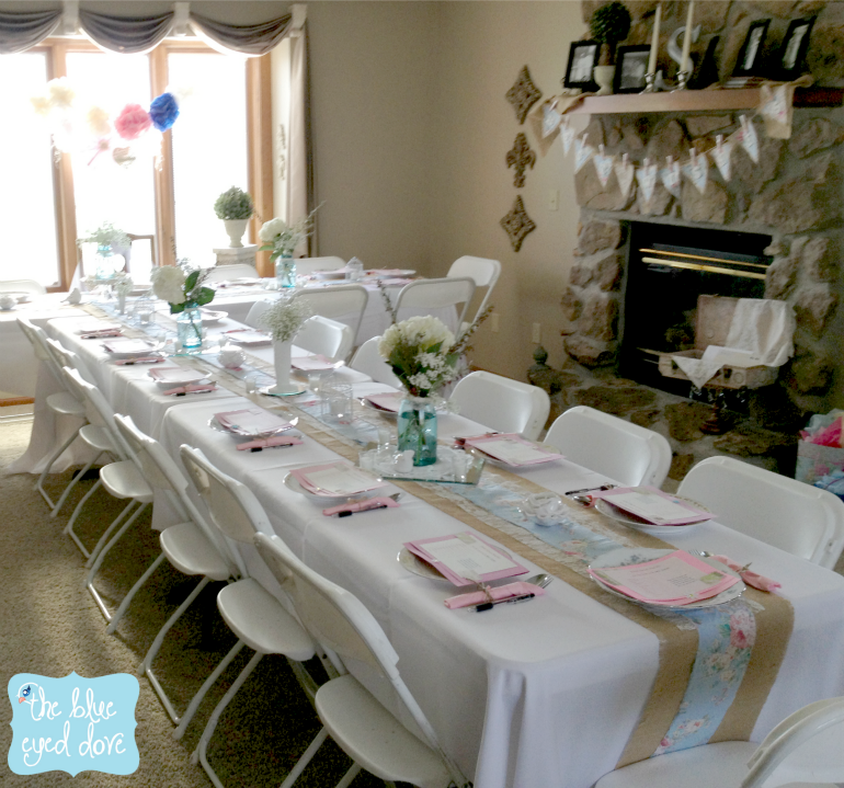 Wedding shower table decorations - Decoration table chic ...
