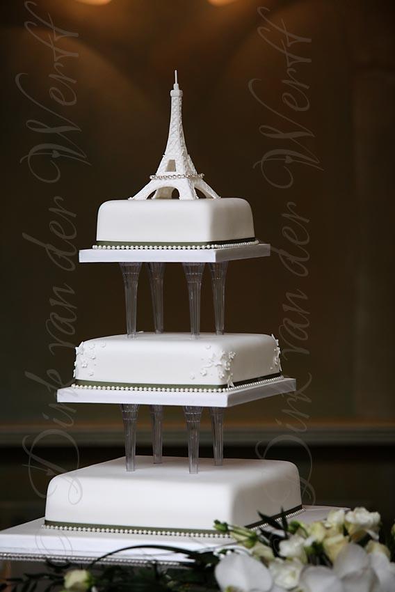 Stunning Eiffel Tower Wedding Cakes Images - Styles & Ideas 2018 ...