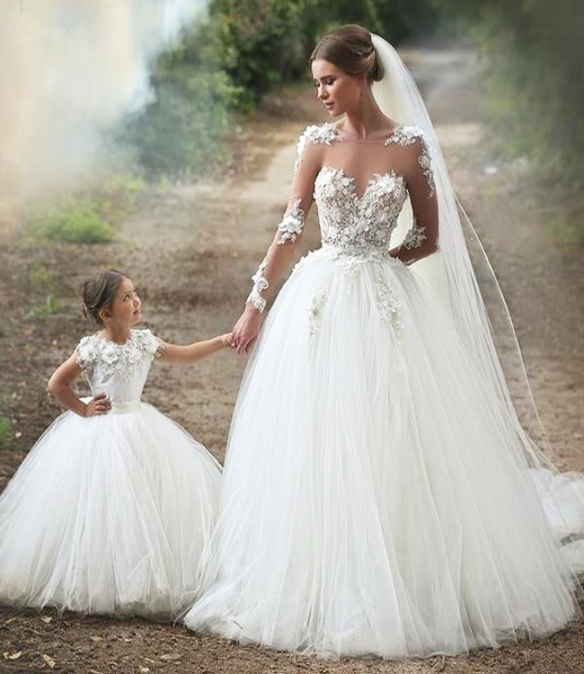 Beautiful Wedding Dress With Lace