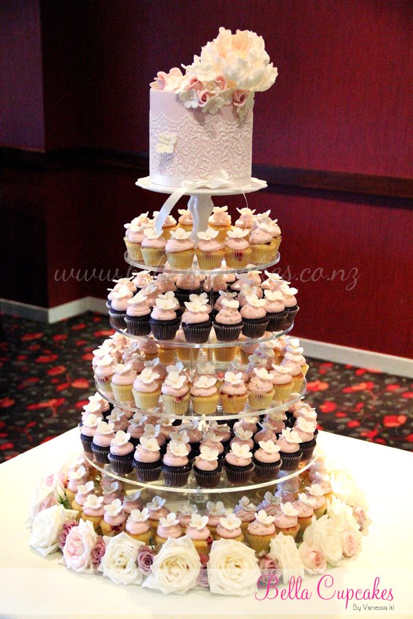 wedding cake with mini cupcakes mini cupcake wedding cake 26926