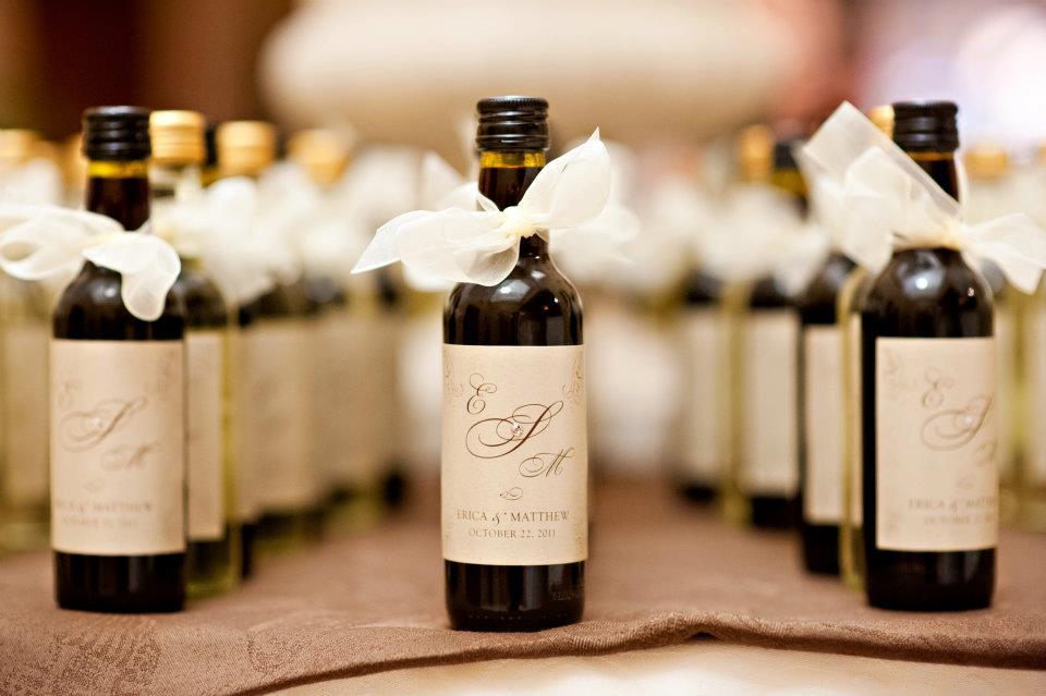 Small Wine Bottles Wedding Favors