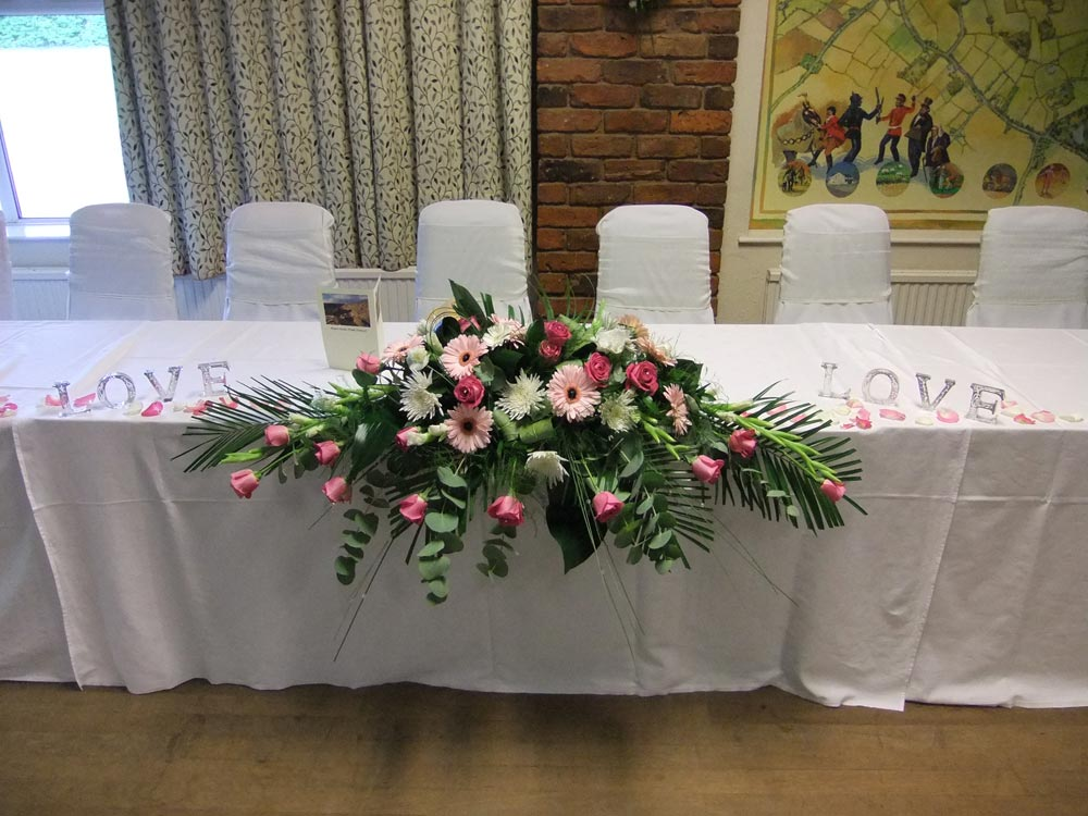 Top wedding table decorations for Top table decoration ideas weddings